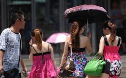 """Chùm ảnh: Người dân Trung Quốc """"phát sốt"""" vì nắng nóng"""