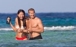 Cựu Hoa hậu Hoàn vũ Trung Quốc tình tứ với bồ tỷ phú trên biển