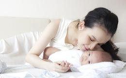 Hình ảnh hạnh phúc của Hoa hậu Thùy Lâm bên con gái