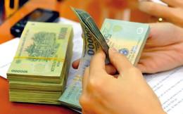 Áp lực chỉ tiêu, nhân viên ngân hàng phải chi tiền túi giữ khách
