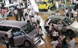 Sức mua giảm mạnh, ô tô giảm giá cả trăm triệu đồng