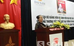 Cô giáo làm 2 bài thơ nghẹn ngào kể lần phiên dịch cho Đại tướng