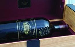 Chai rượu vang đỏ dát vàng giá 4,1 tỷ đồng