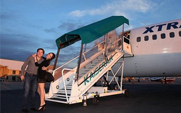 Công ty bạo tay thuê máy bay chở nhân viên đi... du hí