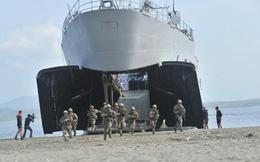Hải quân Pháp phô diễn kỹ năng đổ bộ chiếm đảo