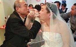Hai cụ ông cưới nhau: Dũng cảm hay bệnh hoạn?
