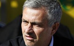 Chelsea đại thắng, Mourinho bất mãn ra mặt