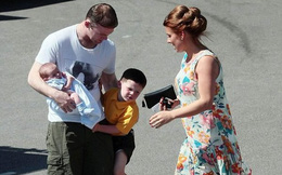 Buồn Man United, nhà Rooney quay sang khoe ảnh con trai