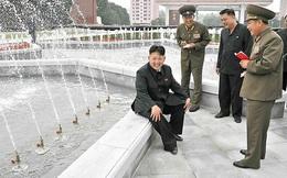 Những chuyện kỳ lạ ở Triều Tiên: Gặp lãnh tụ nhất định phải mang giấy bút