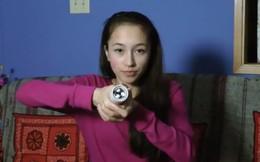 Nữ sinh Canada tạo ra đèn pin chạy bằng thân nhiệt