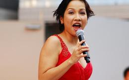 Mỹ Linh không quan tâm hot girl 'cởi đồ', Ngọc Trinh đạo thiết kế