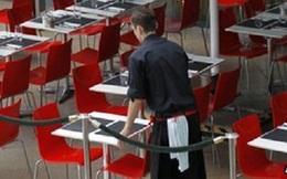 Hoạt động ngành dịch vụ của Anh giảm trong tháng 12