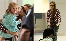 Bà Becks diện áo chi chít trái tim đưa bé Harper Seven ra sân bay
