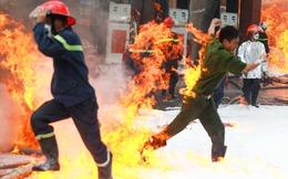 Sự thật về tiền và lời kêu cứu cho cảnh sát chữa cháy