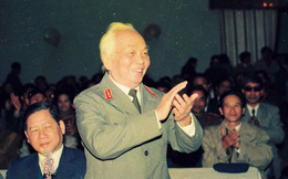 Những vần thơ khóc Đại tướng Võ Nguyên Giáp từ mọi miền Tổ quốc
