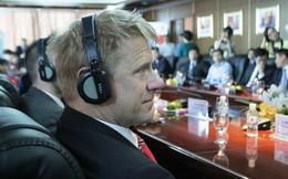 Peter Schmeichel lịch lãm trong buổi làm việc với BIDV