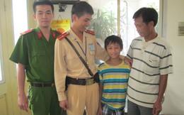 Hà Nội: Một bé trai 12 tuổi bị lạc đường gần 70km trong tình trạng đói lả