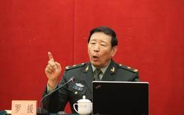"""Diễn trò lố lăng trên mạng, La Viện bị mắng """"làm xấu mặt người Trung Quốc"""""""