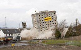 Video: Tòa nhà 16 tầng bị đánh sập trong nháy mắt