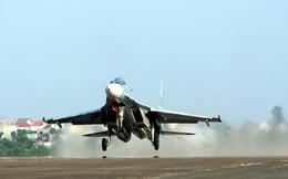 """Tiêm kích nào """"xứng tầm"""" Su-30MK2 Việt Nam ở Đông Nam Á?"""