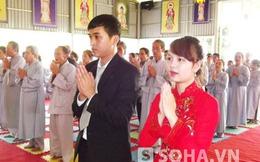 Độc đáo đám cưới nơi cửa Phật
