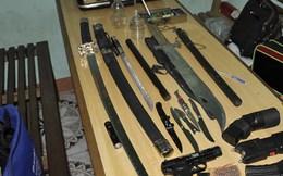 Bất ngờ phát hiện kho súng, đao, kiếm trong quán nhậu