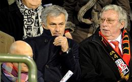 """Mourinho thân chinh tới xem Falcao """"đùa bỡn"""" học trò"""