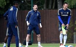 Benitez lại làm khổ Lampard và Terry