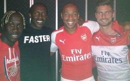 Henry làm lộ chiếc áo đấu mới cực chất của Arsenal