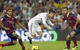 """HLV Barca thừa nhận được hưởng """"ân đức"""" từ trọng tài"""