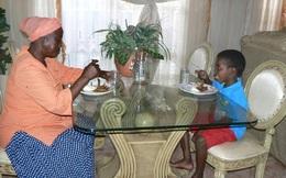 Tâm sự của cậu bé 8 tuổi lấy vợ 61 tuổi