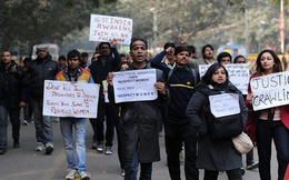 Ấn Độ: Thêm một vụ hiếp tập thể tới chết khiến dư luận phẫn nộ