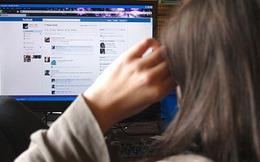 Dùng mỹ nhân kế lên Facebook để bắt con nợ