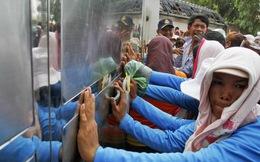 Cảnh sát Campuchia đụng độ công nhân biểu tình