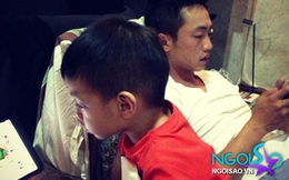 """Hà Hồ """"khoe"""" ảnh bố con Cường Đô la """"mê mệt"""" chơi game"""