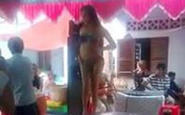 Quay clip múa thoát y trong tiệc sinh nhật rồi tung lên mạng