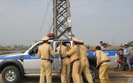 Tài xế chống đối, cướp súng của cảnh sát giao thông