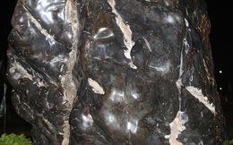"""Viên """"Đại Lam Ngọc"""" nặng gần 40 tấn trên quảng trường mang tên Bác"""