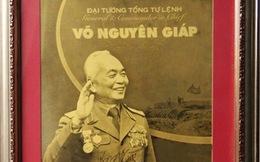 Đấu giá bức ảnh Đại tướng Võ Nguyên Giáp mạ vàng 24k làm từ thiện