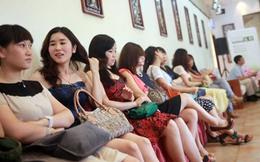 """""""Săn tình cho đại gia"""" - Nghề """"hot"""" tại Trung Quốc"""