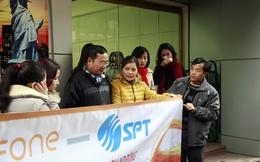 Cựu nhân viên S-Fone biểu tình đòi nợ lương