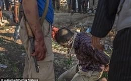 """Thảm cảnh """"đao phủ nhí"""" và những vụ hành quyết rùng rợn ở Syria"""