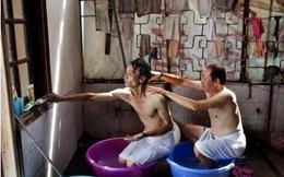 Nhiếp ảnh gia Việt Nam gây chấn động báo Mỹ vì ảnh đồng tính