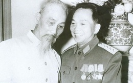 Giây phút xúc động của Đại tướng trong Quốc tang Hồ Chủ tịch