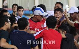 NHM Việt Nam suýt gây lộn vì chiếc mũ của Arsenal