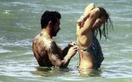 Lavezzi mặc bikini cho bồ ở thiên đường hạ giới