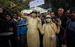 Ấn Độ: Hai nghi phạm hiếp tập thể sẽ bác mọi tội danh