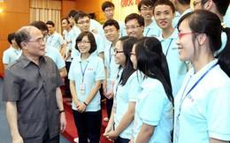 Chủ tịch Quốc hội đặt câu hỏi bất ngờ cho HS đoạt giải Olympic