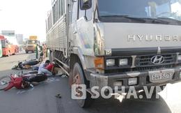 TP.HCM: Đau lòng cảnh em trai nhìn chị gái chết thảm dưới bánh xe tải