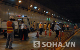 Xe tải chở bia bị lật: Phong tỏa đường hầm sông Sài Gòn